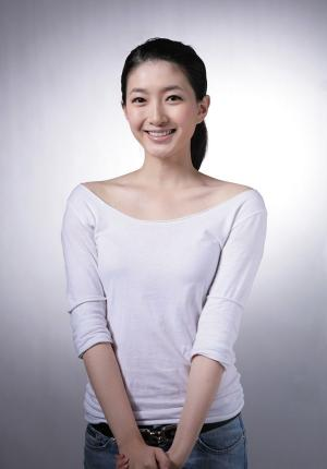美女演员江疏影清纯写真图片