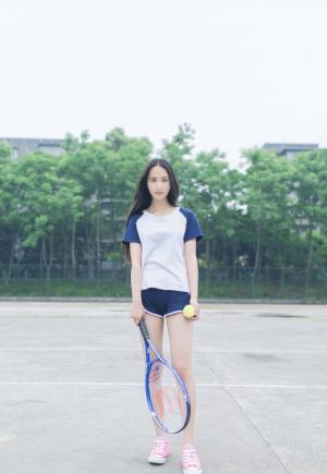 清纯唯美极品美少女网球场大展身手