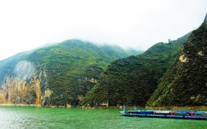 重庆长江三峡云雾风景图片