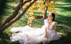 李一桐白色纱裙仙气写真桌面壁纸