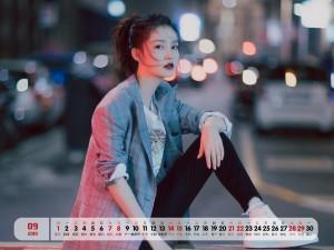 2019年9月李沁街拍高清日历壁纸