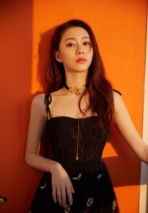 关芯黑色连衣裙魅力时尚写真图片