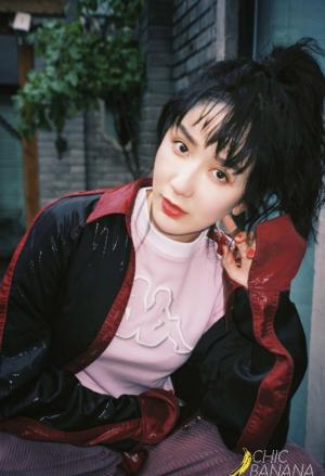 娄艺潇化身摩登女郎复古妆容造型多变时尚写真图片