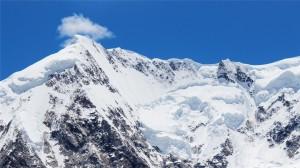 壮丽的雪山美景高清桌面壁纸