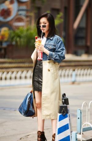 朱颜曼滋个性街拍图片