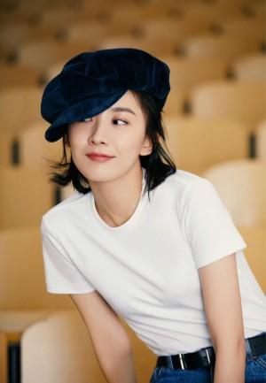 朱颜曼滋清纯甜美校园写真图片