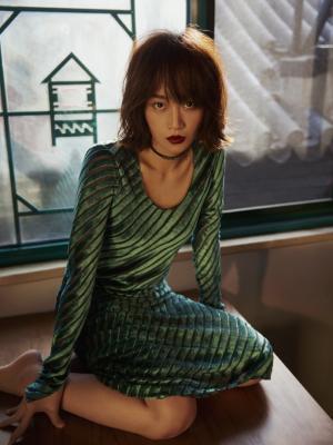 蓝盈莹成熟时尚性感写真图片