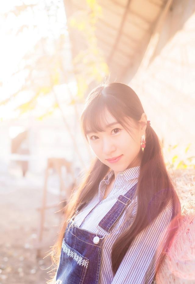 马尾纯情小女孩秋天时尚写真