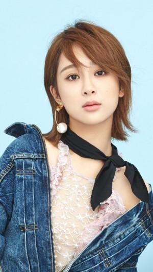 杨紫甜美时尚写真