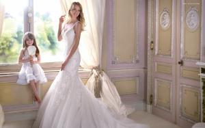 琳赛·艾林森唯美婚纱壁纸