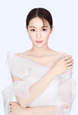 张楠周大福品牌广告优雅大气时尚写真图片
