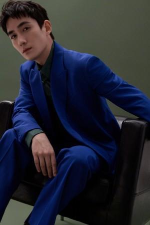 朱一龙蓝色西装