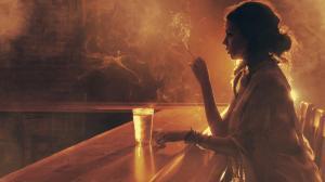 一个人吸烟喝酒唯美伤感侧脸图片女