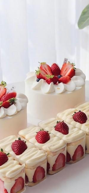 草莓蛋糕美味诱惑高清手机壁纸