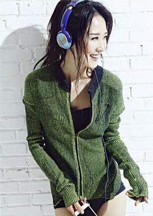 演员张雯时尚运动写真