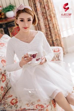Toutiaogirls头条女神美惠子白色连衣裙加肉色丝袜美腿性感私房写真