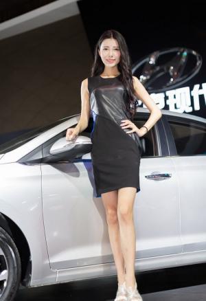 北京现代车展优雅如兰车模一枚