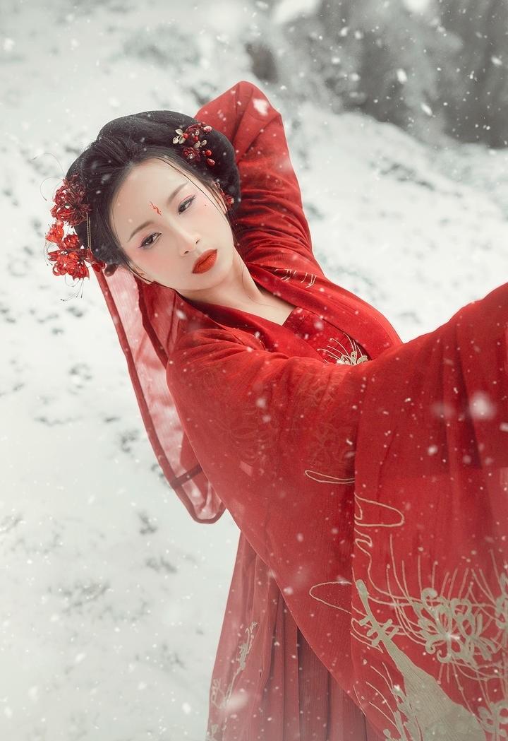 妩媚妖娆古典古装美女图片