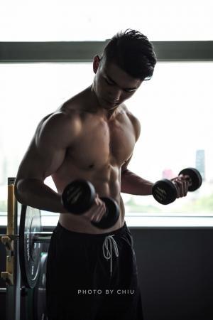 百斯特健身工作室教练身材好