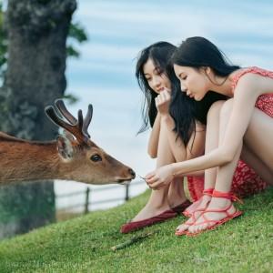 日本奈良美少女旅行摄影图片