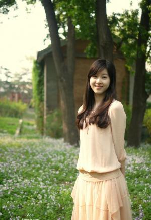 奶茶妹妹章泽天第一次外拍写真