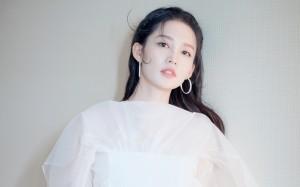 精致女孩李沁白裙仙气写真