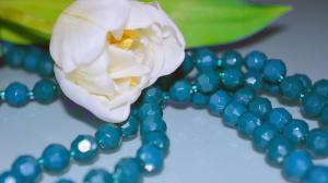 玻璃琉璃珠饰品图片