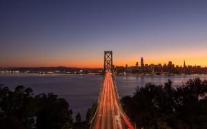 黄昏的旧金山大桥,你不在别处