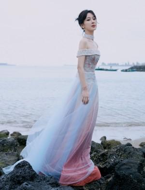 杨紫星空裙仙气柔美写真图片