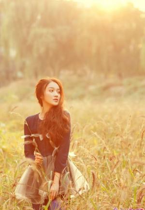 北京现代音乐研修学院可爱性感美女写真