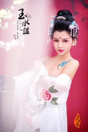 唐朝妃子性感露乳古装美女高清摄影写真