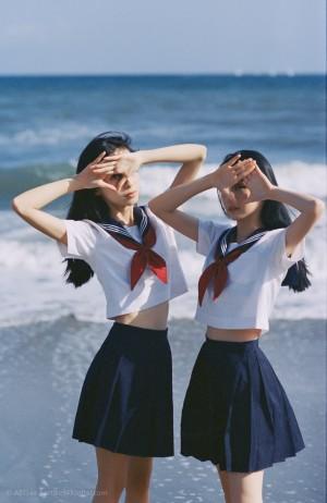 美少女的海边旅游视觉摄影作品