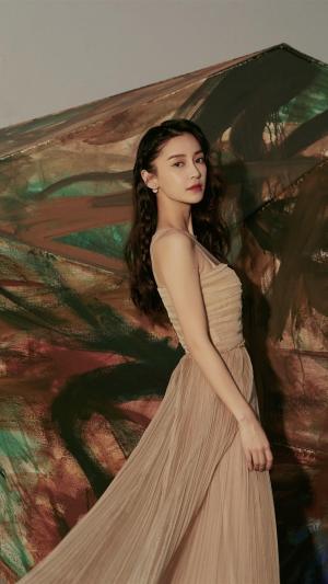 angelababy肉色抹胸裙优雅性感手机壁纸
