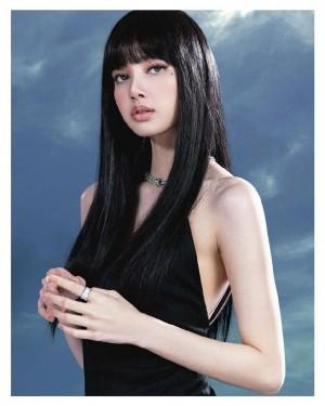 LISA黑长直造型美丽时尚写真