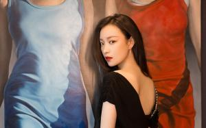 倪妮露美背性感时尚气质优雅写真