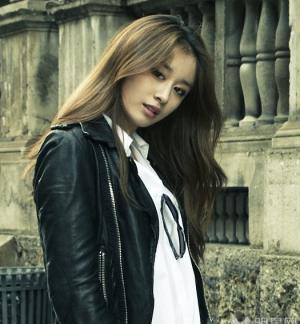 樸智妍歐洲時尚黑白雜志寫真