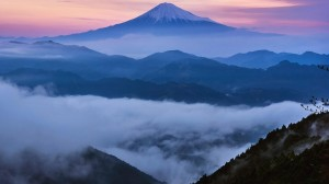 日本富士山的磅礴气势风光风景