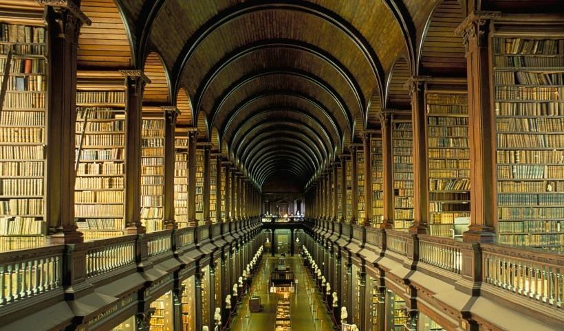 葡萄牙马夫拉图书馆风景写真