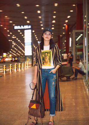 姚晨机场时髦风尚图片
