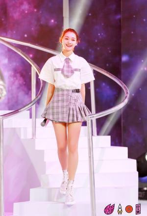 火箭少女101新歌首秀高清图片
