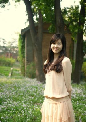 奶茶妹妹章泽天第一次外拍时尚写真