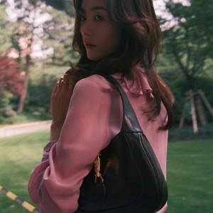 刘雯复古风时尚户外写真图片