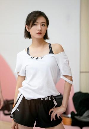 万茜《乘风破浪的姐姐》第六期时尚剧照图片
