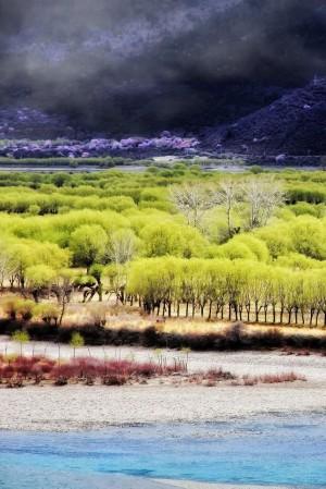 雅鲁藏布大峡谷唯美风景图片