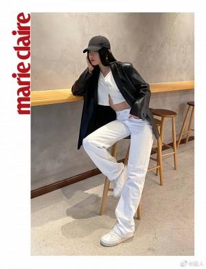 刘柏辛黑色皮质风衣酷飒时尚写真图片