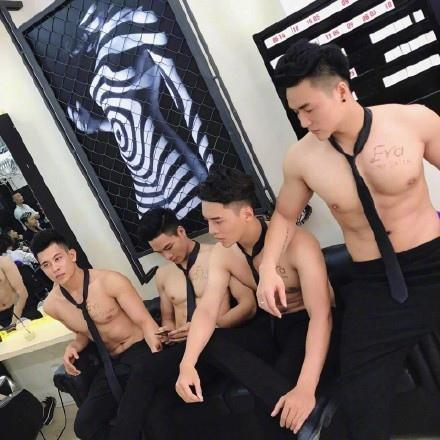 越南的一家理发店,超多肌肉帅哥,你会进去消费吗