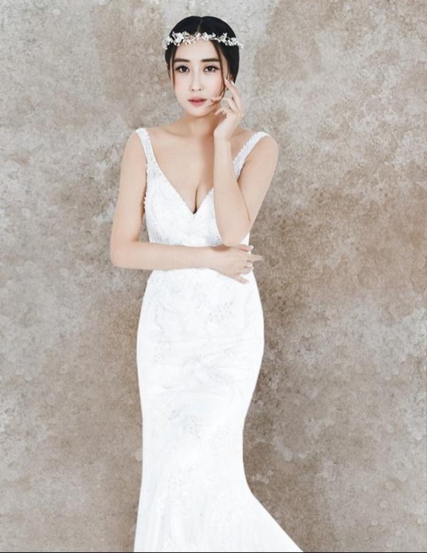 杜若溪高雅唯美婚纱时尚写真