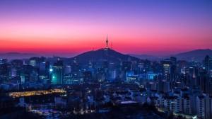 城市璀璨霓虹灯夜景图片桌面壁纸