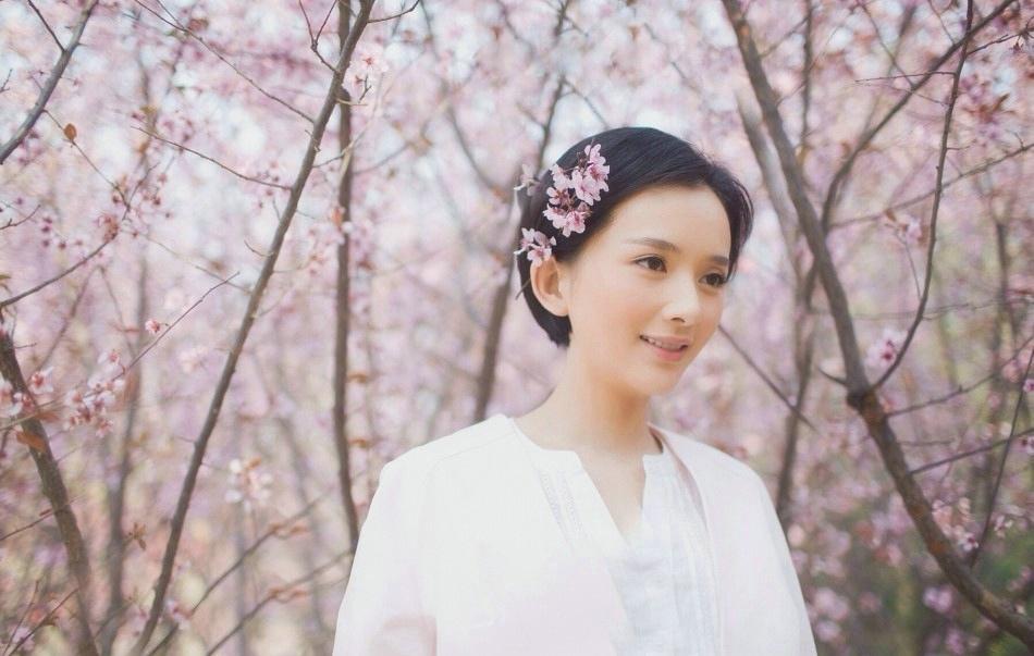 李依玲春日清新唯美写真
