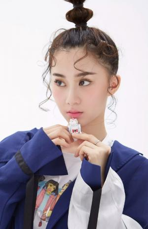 刘颖伦清新个性写真图片
